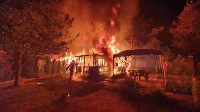 Pożar na działkach